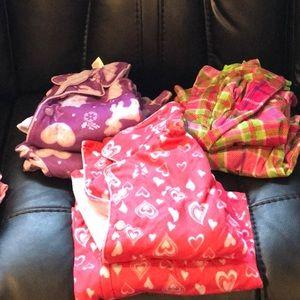 Pajamas - All 7 pairs of girls pajamas top an bottom